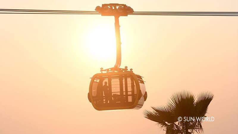 Watching the sweet and romantic sunset of Southern Phu Quoc from Hon Thom Cable Car.