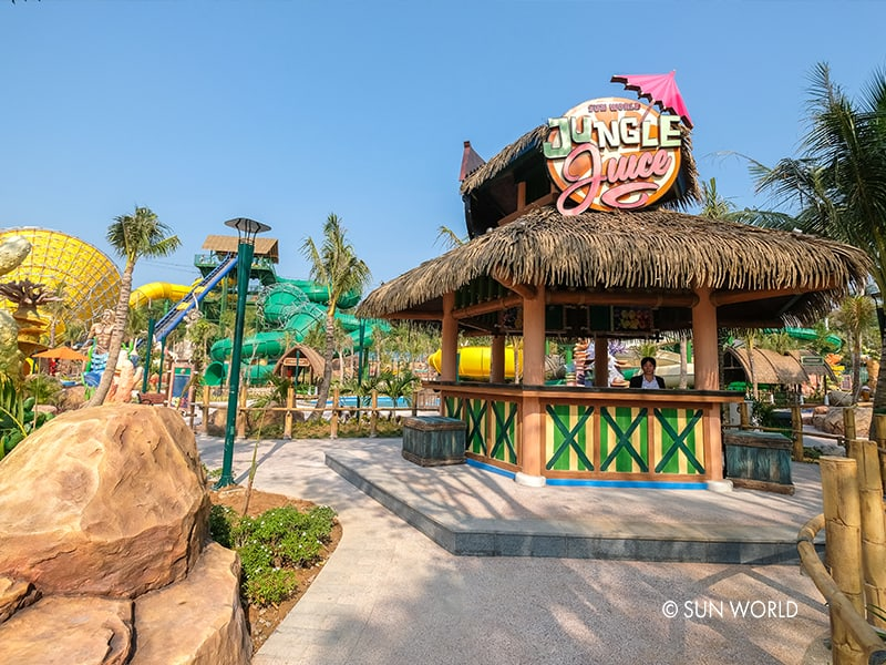 Jungle juices tại Aquatopia Water Park