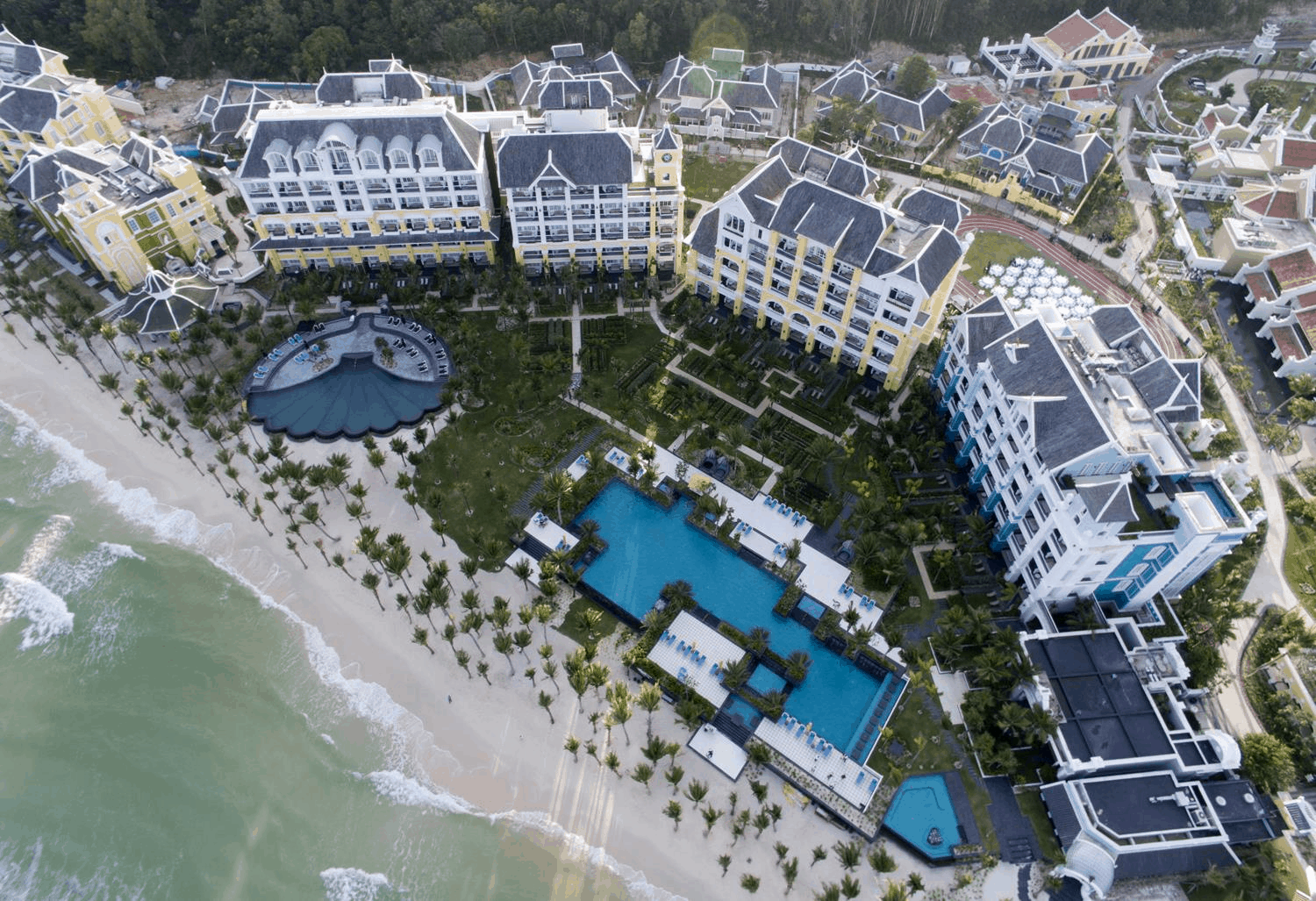 The luxurious and classic JW Marriott Phu Quoc Resort (collectibles)