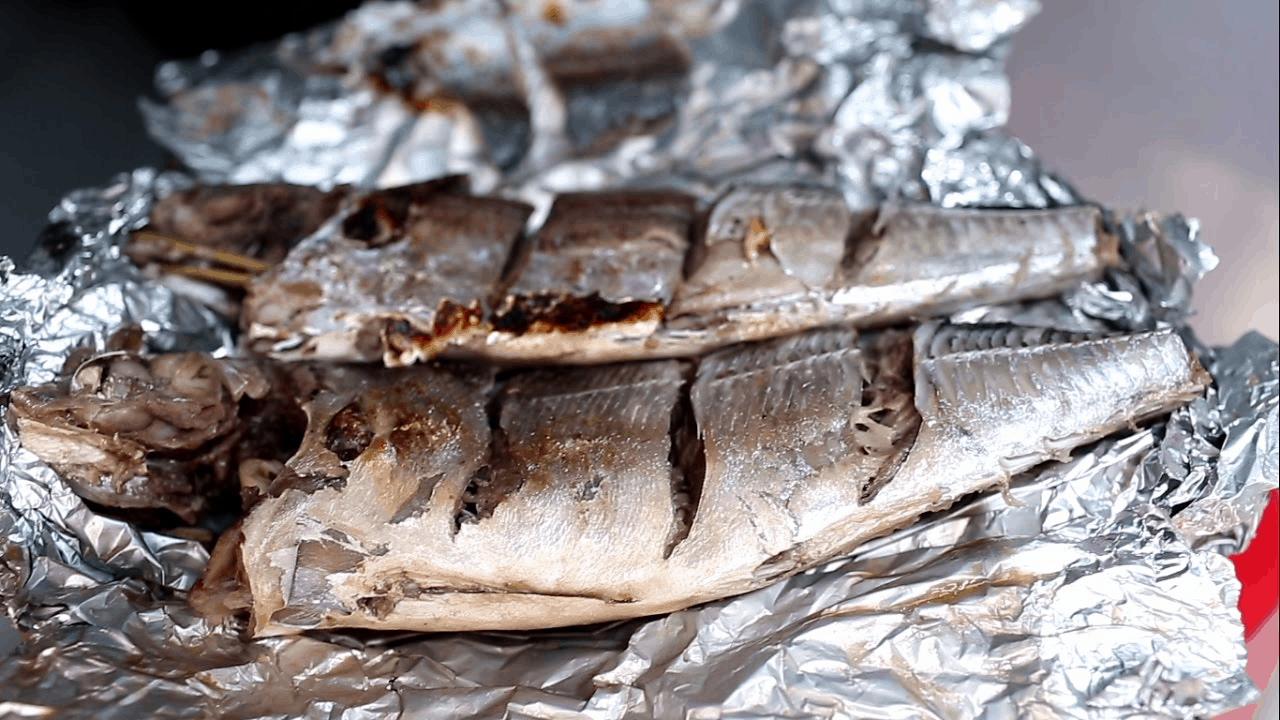 The first-class dish of Southern Phu Quoc island - grilled Jack mackerel (collectibles)