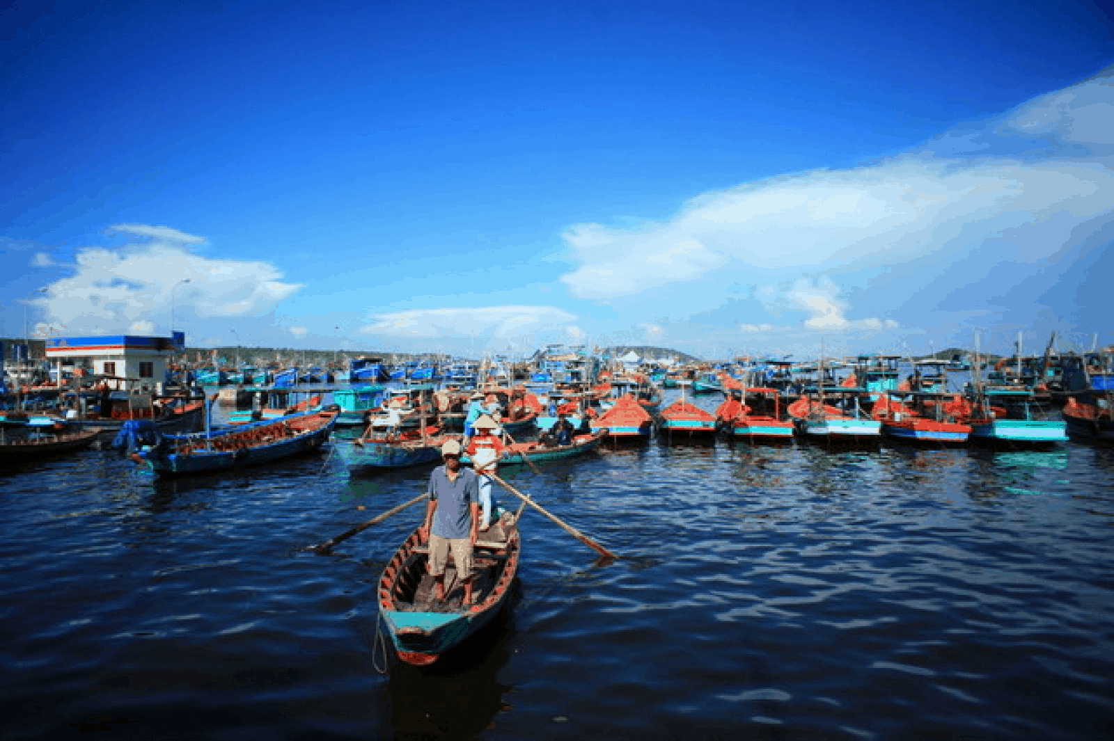 An Thoi Port in Southern Phu Quoc - explore the interesting life of fishermen